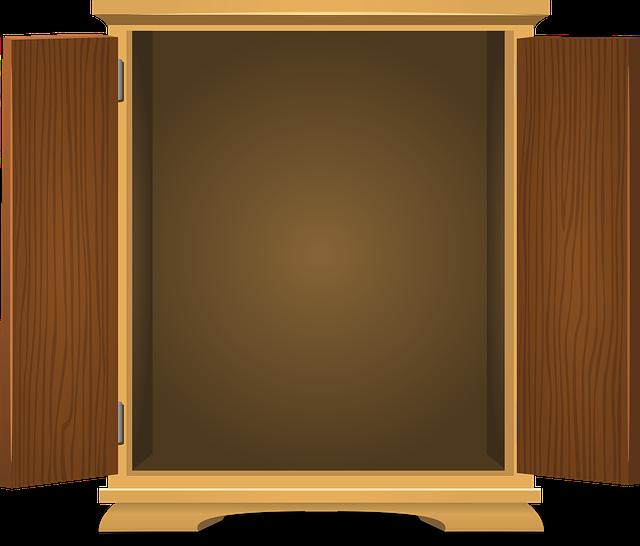 prázdná skříň